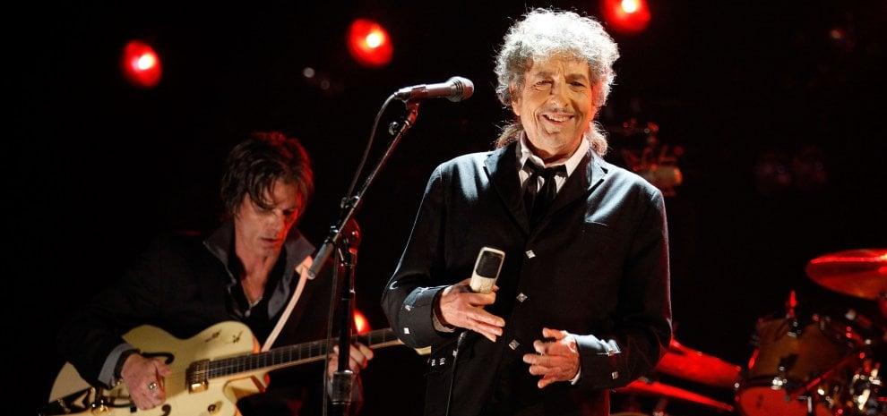Bob Dylan, venduto all'asta il testo autografo di 'Blowin' in the Wind'
