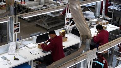 Campi Bisenzio (Firenze), viaggio nella fabbrica modello cinese: qualità, legalità e sicurezza per i lavoratori