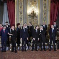 Il governo Gentiloni ha giurato, ministri confermati tranne Giannini. Alfano agli Esteri. Minniti all'Interno. Boschi sottosegretario