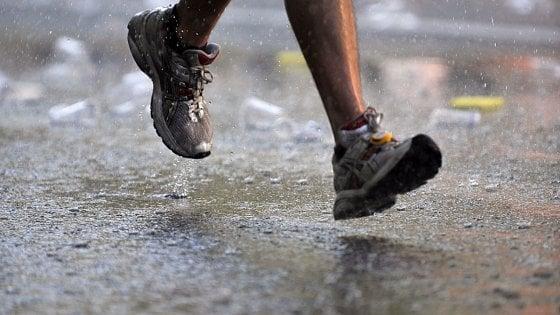 """""""Correre sotto la pioggia, una lezione per amare ciò che possediamo"""""""