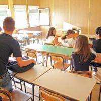 I 'pentiti' della scuola scelta, metà degli studenti italiani non rifarebbe le stesse...