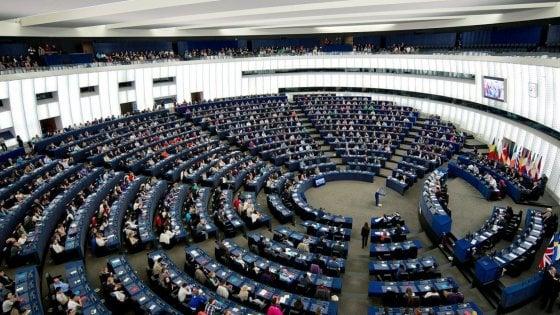 La (poca) trasparenza delle lobby in Italia e in Europa: registro obbligatorio solo in 6 Paesi Ue