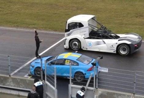 Volvo, show in pista