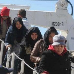 """Sbarchi, """"Le politiche migratorie dell'Unione Europea sono in balia delle onde"""""""