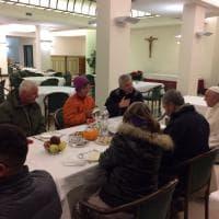 Papa Francesco compie 80 anni: colazione a Santa Marta con i senzatetto