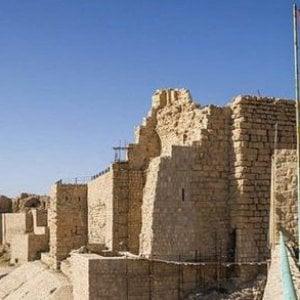 Giordania, attacco a castello di Karak: almeno 10 morti