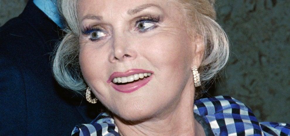 È morta Zsa Zsa Gabor, l'attrice regina delle cronache mondane