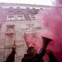 Almaviva, i lavoratori dei call center in sciopero