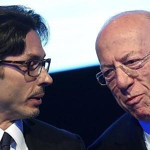 Mediaset, Vivendi al 25%. Il cda: intervenga l'Agcom