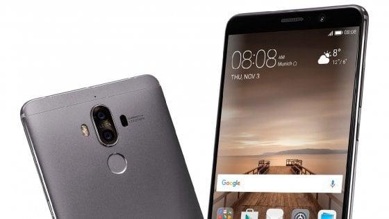 Apple, iPhone 8 avrà schermo Oled curvo con nuovo 'touch'