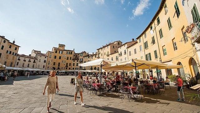 Lucca, scoperta slow -   ft