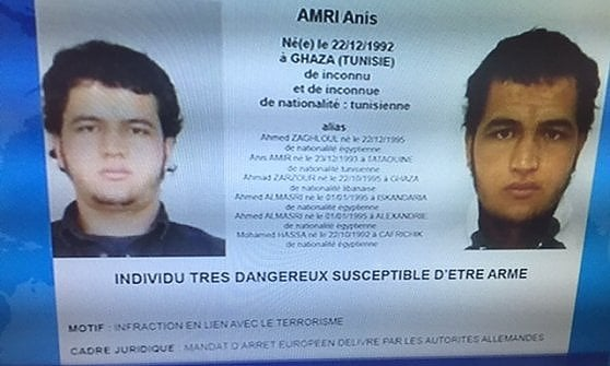 Strage Berlino, polizia cerca tunisino. Sospettato di preparare attacco. Per 4 anni in carcere in Italia