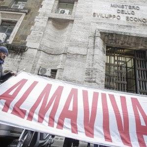 Almaviva: Calenda rilancia, e stavolta è sì di sindacati e azienda