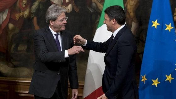 Pd fermo al 30%, Grillo paga il caso Roma. Governo a bassa fiducia