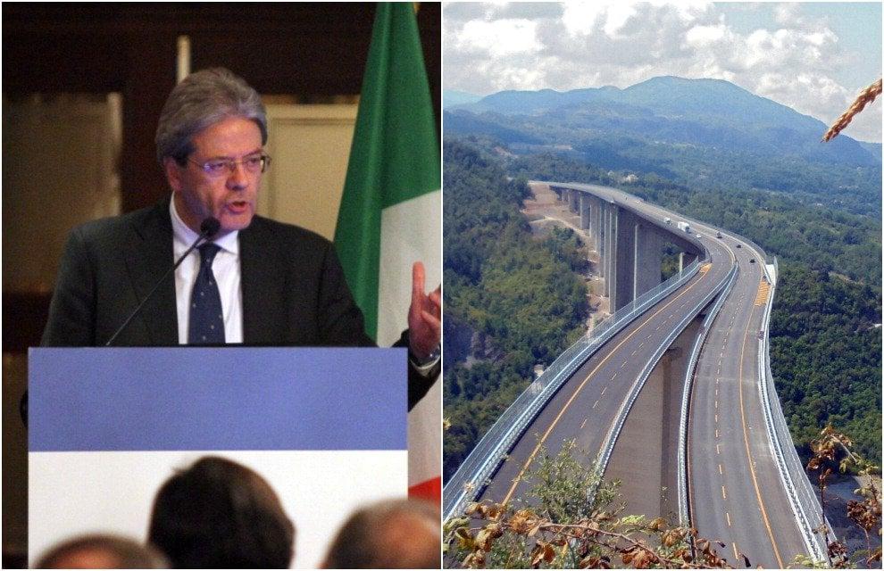 """Gentiloni inaugura la Salerno-Reggio Calabria: """"Impegno mantenuto"""". E cita Troisi: """"Scusate il ritardo"""""""
