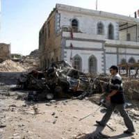 Mosul, l'IS spara mortai tra la gente: uccise 11 persone, tra cui 4 operatori