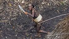 Brasile: la tribù incontattata le foto sorvolando l'Amazzonia