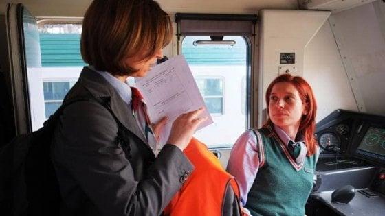 """""""Cercansi donne macchiniste"""". La svolta arriva anche sul treno"""
