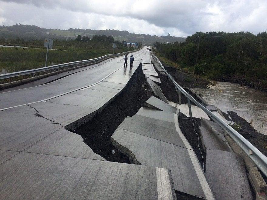 Terremoto in Cile, la terra si spacca - le immagini