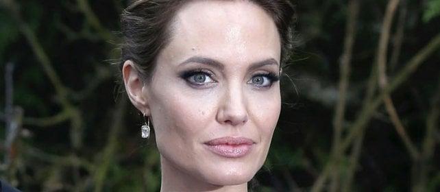 Effetto Jolie, aumentano donne che si sottopongono  al test per cancro al seno