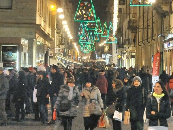 Vendita Regali Di Natale Riciclati.Il Riciclo Dei Regali Di Natale Parenti Cambi Merce O In Vendita Sul Web I Trend La Repubblica