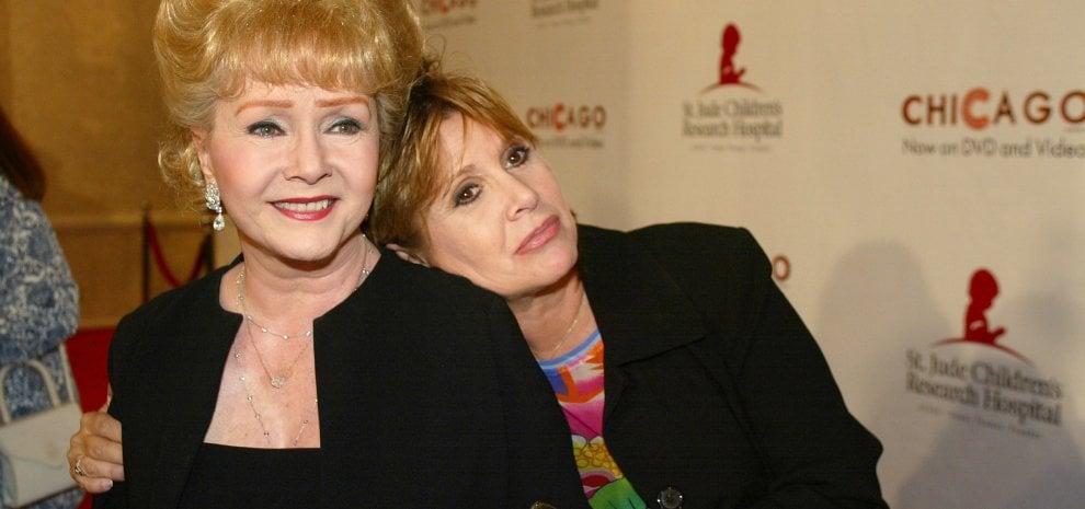Addio Debbie Reynolds: la madre di Carrie Fisher stroncata da un ictus dopo la morte della figlia