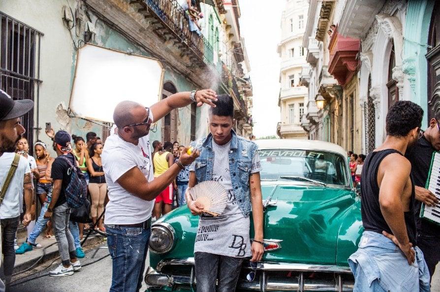 Il reggaeton che spazza via i canti di protesta