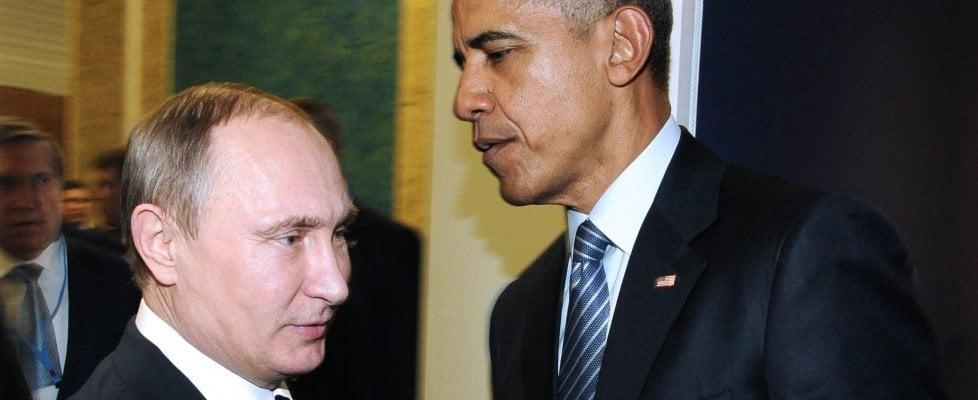 """Tensioni Russia-Usa, Putin 'congela' la ritorsione. Trump lo appoggia contro Obama: """"Bella mossa"""""""