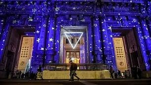 Milano, partenze stellari in stazione: il videomapping è una volta celeste