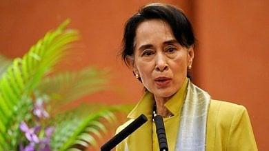 Premi Nobel e attivisti contro Aung San Suu Kyi: stop allo sterminio dei Rohingya