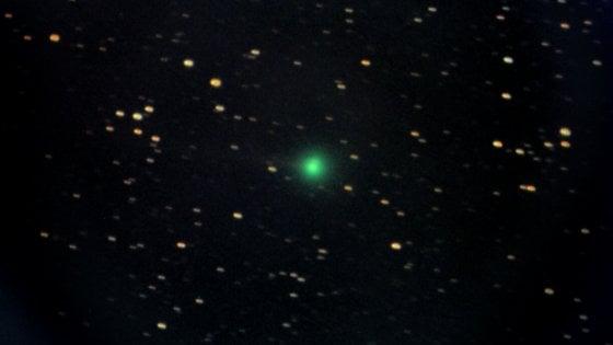 """È arrivata la """"cometa di capodanno"""", occhio all'orizzonte dopo il tramonto"""