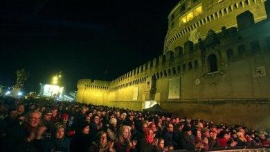 Roma, nel Capodanno low cost la notte si spegne dopo il brindisi