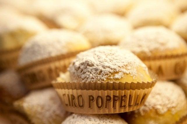 Oltre la pastiera c'è di più: 11 dolci napoletani da non lasciarsi scappare