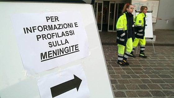 Meningite, a Roma Asl prese d'assalto. E il vaccino nelle farmacie scarseggia