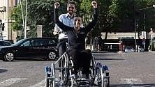 Disabili, dall'Olanda  è arrivata una bicicletta per muoversi in città   di ANNA MARIA DE LUCA