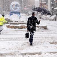L'Europa nella morsa del gelo, dalla Germania all'Ungheria: neve e inondazioni