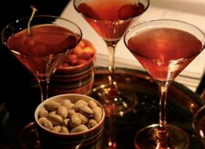 Aperitivo for Manhattan cocktail storia