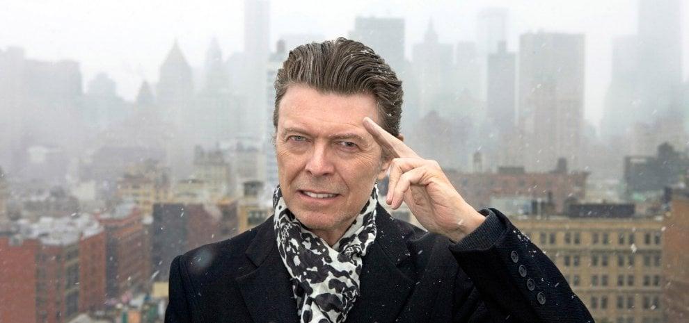 Un mondo senza David Bowie, i 70 anni della stella nera che ha oscurato l'orizzonte del pop