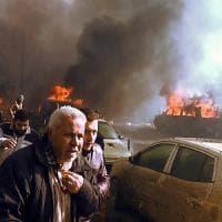 Siria, camion bomba al mercato: decine di vittime nella città dei ribelli