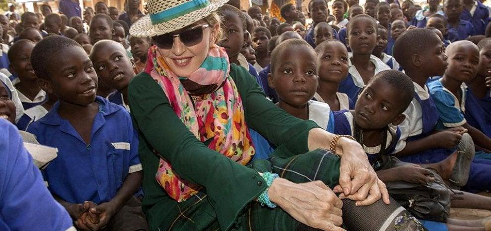 Se la star fa del bene, le onlus dei cantanti: da Elton John a Madonna fino a Lady Gaga