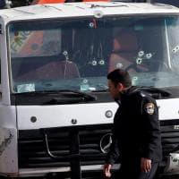 Gerusalemme, camion lanciato contro soldati: le immagini dal luogo dell'attentato