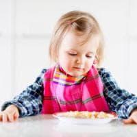 Usa: noccioline a bambini di pochi mesi per evitare allergie