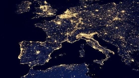 Attenzione, in Italia ogni cosa è (male) illuminata