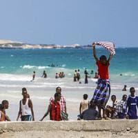 Mogadiscio, voci di risveglio e voglia di normalità, sotto le minacce dei