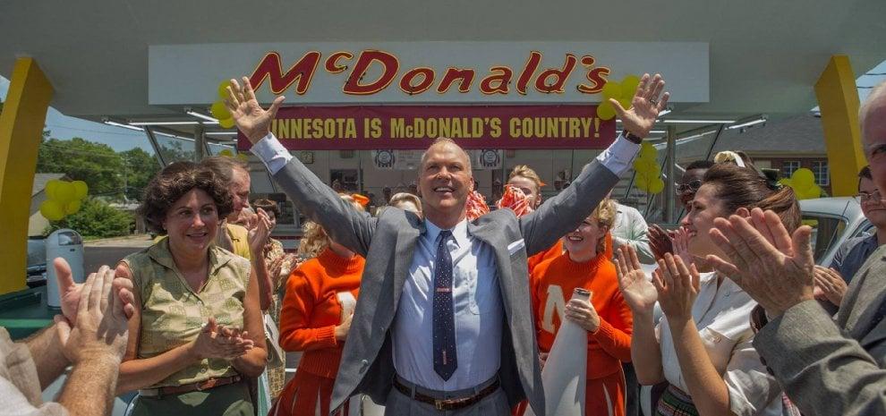 """Michael Keaton e l'America dei McDonald's: """"Un modello che ha fregato tutti"""""""