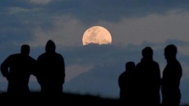 """Luna, l'ultimo segreto: """"Nacque da briciole di una giovane Terra colpita 800 volte"""""""
