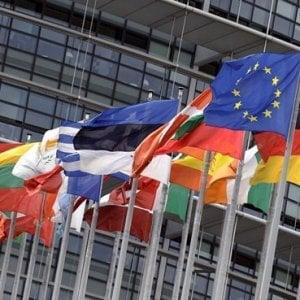 """Dai Radicali alla Lega, vent'anni di """"giravolte"""" politiche in Europa"""