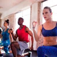 Sì agli 'sportivi del weekend', l'esercizio fisico fa bene anche solo nel