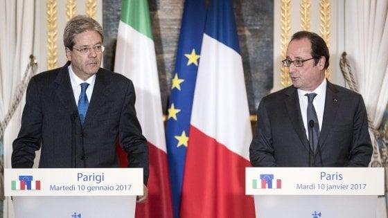 """Incontro Hollande-Gentiloni: """"Basta ossessione per regole di bilancio, Ue punti su crescita e lavoro"""""""