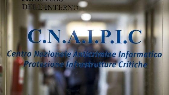 """Cyberspionaggio, Gabrielli sostituisce il capo della polizia postale. Occhionero si difende: """"Nessuno spionaggio"""""""